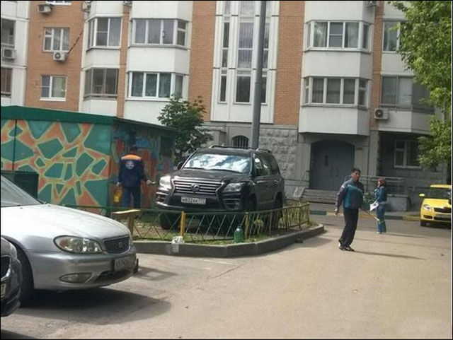 Des voitures mal garées - 15