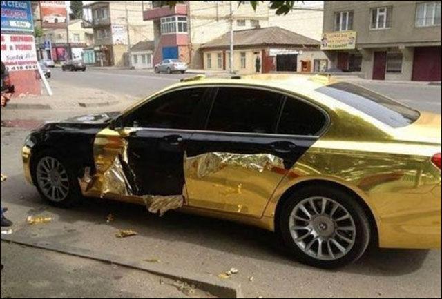 Des voitures mal garées - 4