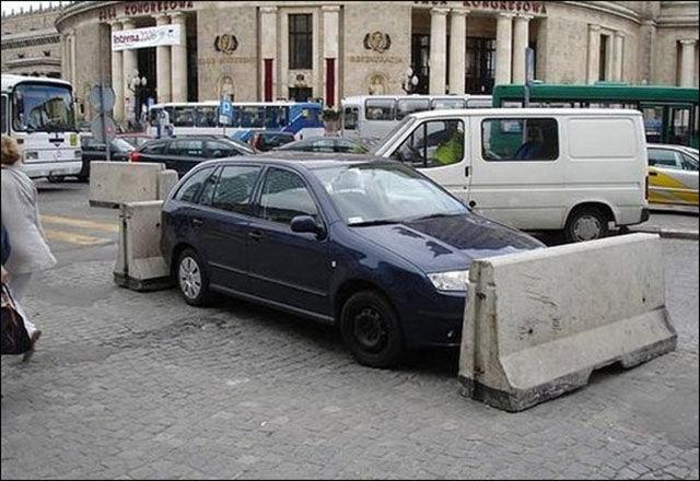 Des voitures mal garées - 9